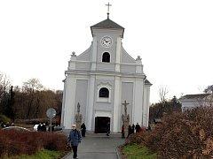 Šikmý kostel sv. Petra z Alkantary