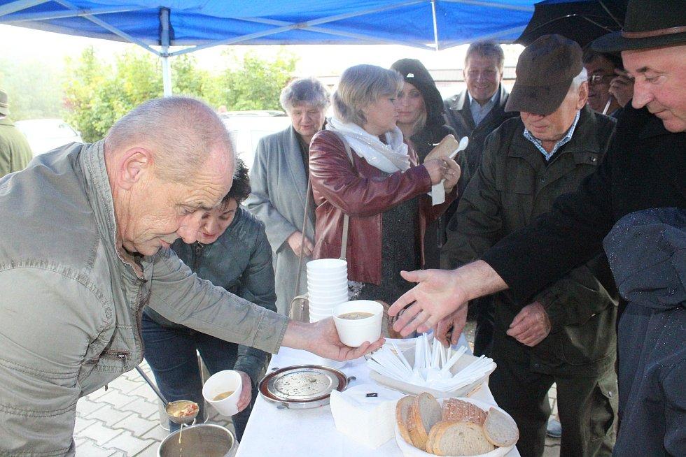 V sobotu proběhly ve Stonavě už popáté Hubertovy slavnosti. Součástí byla i slavnostní mše v kostele Sv. Petra z Alkantary.