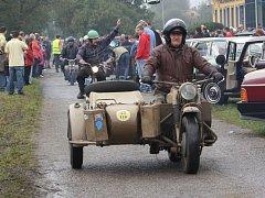 Sraz auto a moto veteránů v Orlové.