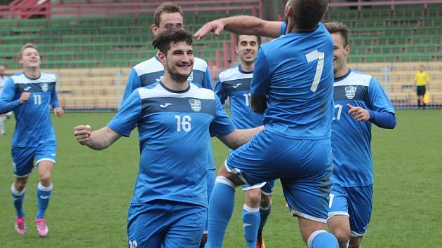 Havířov se loučil výhrou nad Valašským Meziříčím. Petr Michalčák (č. 16) dal hattrick.