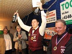 Milan Ráček se raduje z triumfu na Turnaji mistrů.