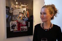 Vizuální umělkyně Yana Yushkevich vystavuje svá díla v Bohumíně.