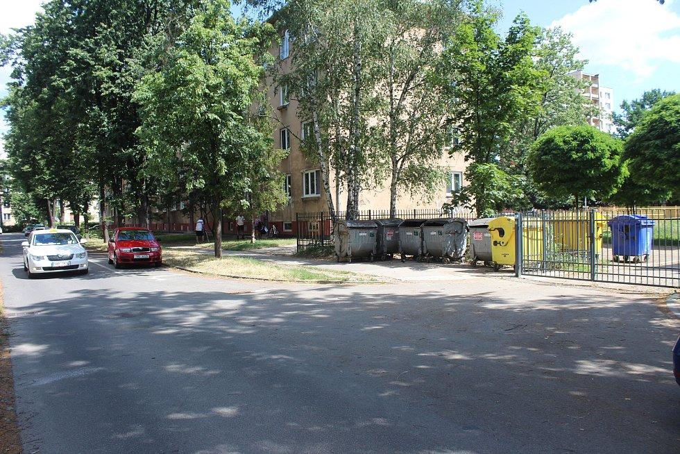 K hrůznému nálezu mrtvého novorozence v popelnici došlo v Karviné-Novém Městě v Holubově ulici.