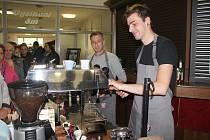 Druhý ročník orlovského Festivalu kávy a chuti příjemně překvapil velkou návštěvností i bohatostí nabídky.