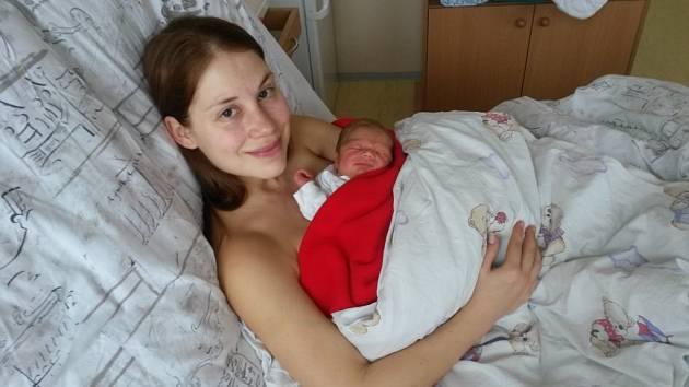 Jiřík Kamýček se narodil 6. března v Karviné mamince Andree Vargové a tatínkovi Jirkovi Kamýčkovi z Orlové. Po porodu vážil chlapeček 2 600 gramů a měřil 46 centimetrů.