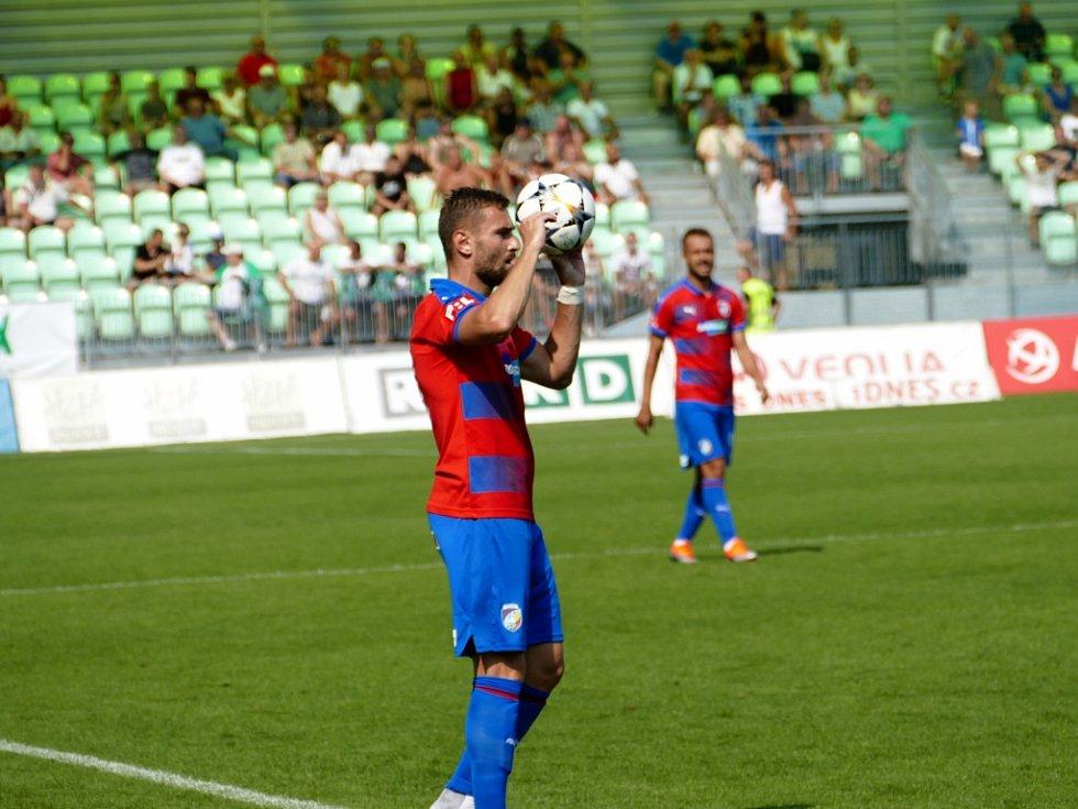 Z ligového utkání Karviná - Plzeň.