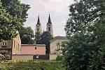 Orlová-Město. Pohled na kostel.