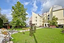 Novou společenskou místnost a jídelnu budou mít ještě letos k dispozici obyvatelé domova pro seniory Cesmína ve Starém Bohumíně. Červen 2021.