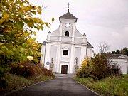 Vždy o víkendech se veřejnosti otevře také šikmý kostel v Karviné-Dolech.