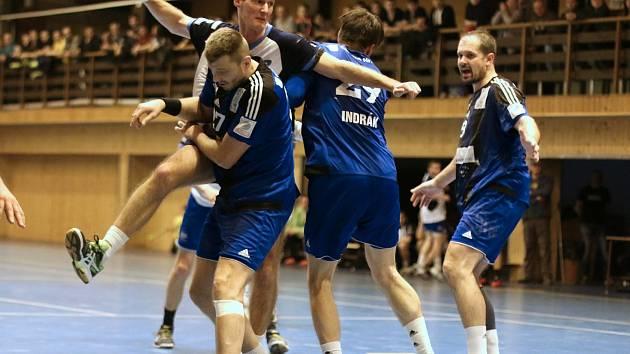 Házenkáři MHK hrají o postup do první ligy.