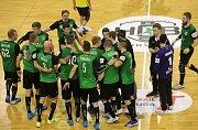Házenkáři Karviné (v zeleném) roznesli v semifinále poháru Frýdek-Místek 37:22.