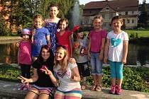 Česká lyžařka podpořila děti z nadace Kapka naděje.