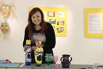 Ilustrátorka Veronika Zvonečková vystavuje v Mánesově síni MěDK Karviná své ilustrace, ale také práce dětí, které vyráběly podle návodu z televizního pořadu Šikulové.
