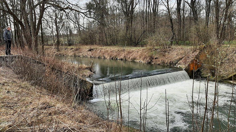 Jarní procházka podél Lučiny, Staré řeky, v Horních Bludovicích, duben 2021.