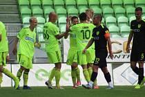 Marek Janečka (druhý zleva) věří, že Karviná se dočká první domácí výhry.