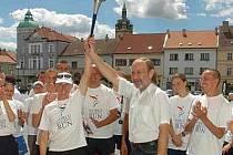 Na své cestě republikou se štafeta Světového běhu harmonie zastaví v několika českých městech. Zítra například v Bohumíně.