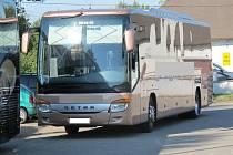 S tímto autobusem chtěl opilý řidič cestovat s turisty do Chorvatska.