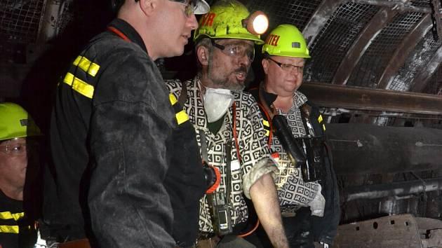 Premiér Bohuslav Sobotka v podzemí Dolu Lazy v Orlové.