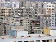 Chceme koupit byty, hlásali nájemníci, kteří přišli na jednání karvinského zastupitelstva.