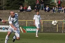 Karvinští fotbalisté (na snímku Vladimír Mišinský) byli proti Bohemce na míle vzdáleni svému výkonu z utkání proti Mostu.