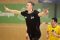 Dominik Solák se raduje z další branky do sítě Frýdku. Trefil se pětkrát.