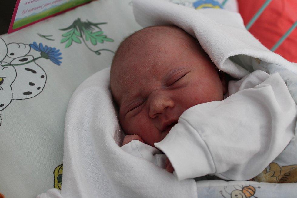Eliška Solčánová se narodila 7. března mamince Nikole Kupcové z Orlové. Miminko měřilo po porodu 49 cm a vážilo 3610 g.