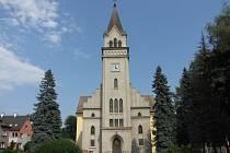 Snímek kostela z července 2012.