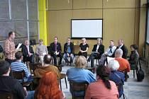Vlakové nádraží v Havířově. Panelová diskuse o budoucnosti stanice pořádaná Dolem architektury.