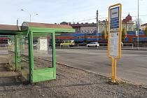 Současná podoba autobusového nádraží v Českém Těšně. Na tomto místě má vyrůst moderní dopravní terminál.
