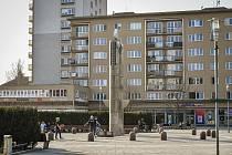 Že by mladíci byli tak hloupí, aby se svolávali v centru Havířova?