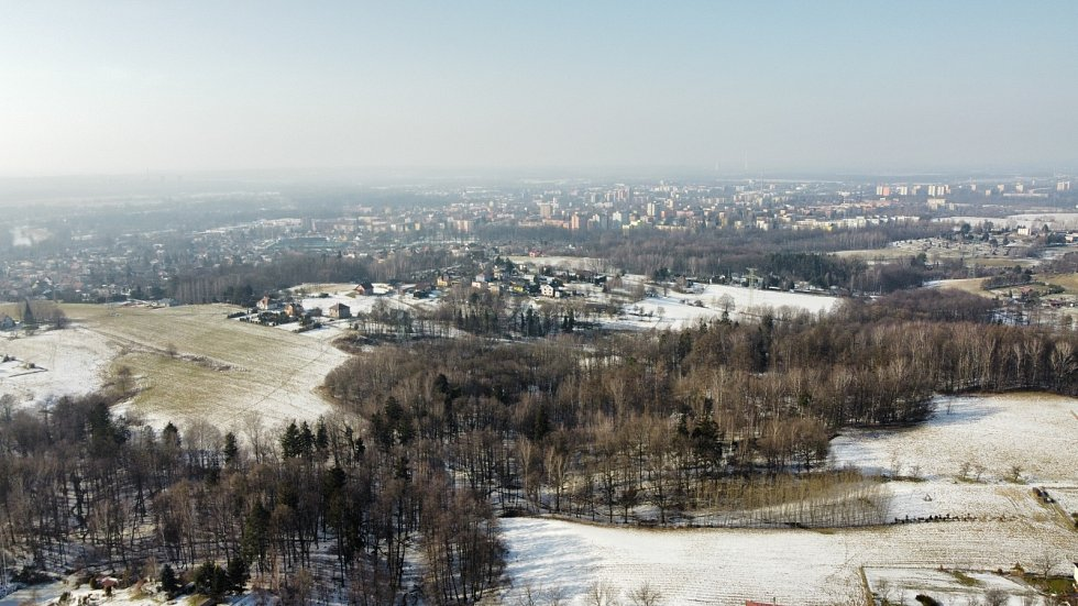 Pohled na karvinské panorama z Rájského kopce.