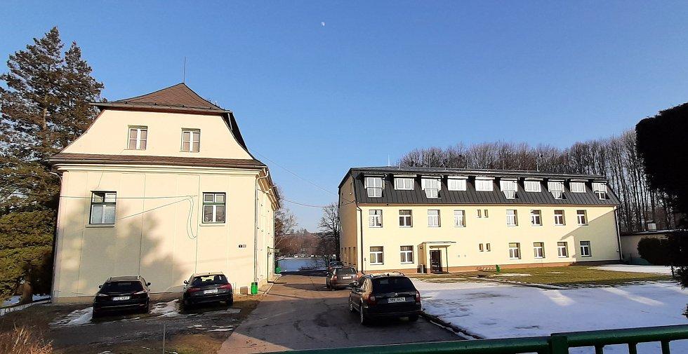 Těrlicko, centrum, Larischův zámeček, školicí středisko PČR..