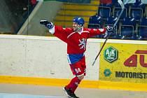 Vladimír Luka končí každou sezonu hokejbalem.