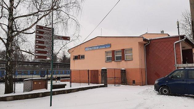 Vlaková stanice vAlbrechticích.