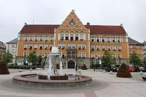 Budova radnice v Českém Těšíně z roku 1928 - Ilustrační foto.