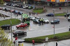 Nehodu zavinila jízda na červenou.