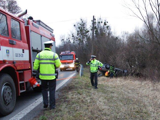 Nehoda osobního vozidla v Těrlicku.