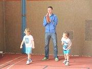 Atlety při trojboji podpořil také úspěšný Pavel Maslák.