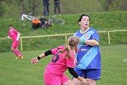 Havířovanky (v modrém) dál kralují soutěži bez jediného zaváhání.