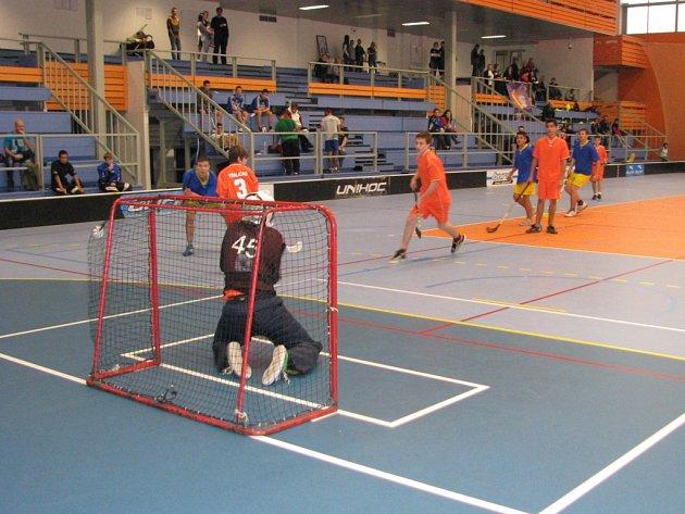 Florbalový turnaj dětských domovů.