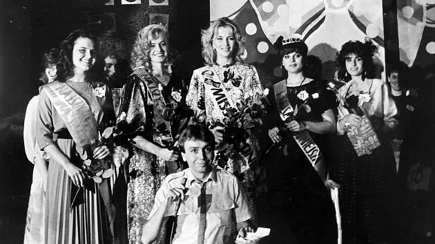 MISS PZKO. Volba nejšikovnější, nejhezčí mladé ženy v roce 1987.