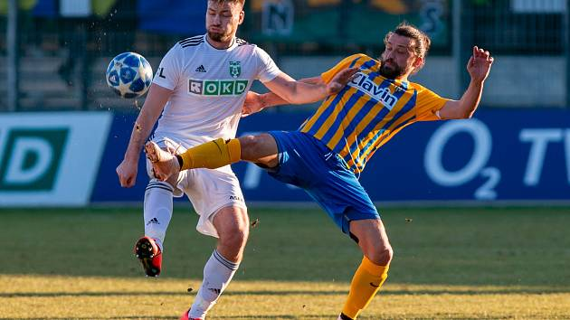 Tomáš Wágner (vlevo) věří, že Karviná začne dávat góly.