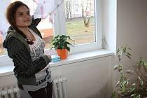 Plíseň a sliz z nadměrné vlhkosti trápí v různých částech bytu paní Janu Gujdovou z Karviné.