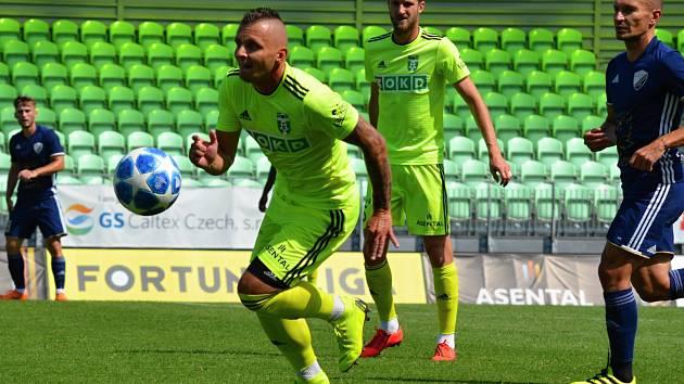 Matúš Čonka (u míče) se na českou ligu těší.