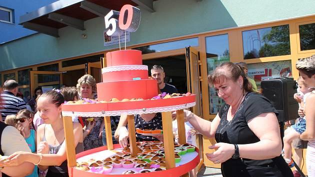 Oslavy 50 let ZŠ Mendelova nabídly nejen vystoupení současných i budoucích žáků školy, ale také spousty dalších zážitků.