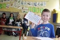 Na 180 učitelů a pedagogických odborníků z celé České republiky zavítalo ve středu do karvinské Základní školy Mendelova. Škola hostila 3. ročník Festivalu pedagogické inspirace.
