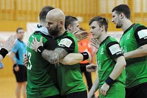 Baníkovci (v zeleném) vyhráli i ve Frýdku a postupují.