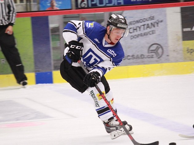 Hokejisté porazili Vsetín, poté těsně prohráli sŽilinou.