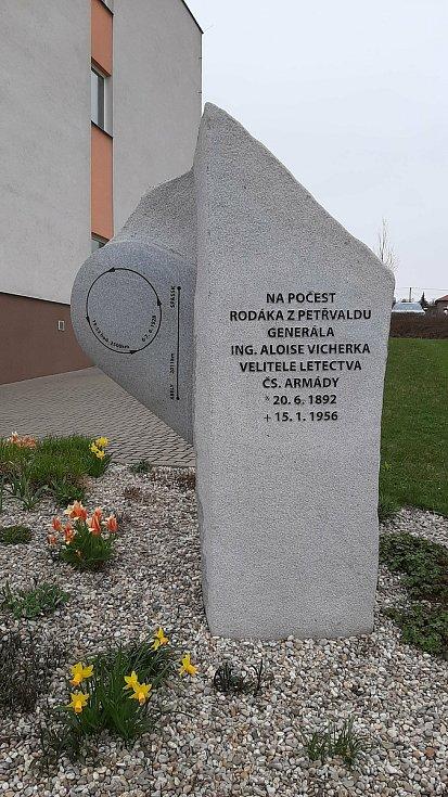 Petřvald. Památník rodáka generála Aloise Vicherka.