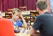 Mezi čtyřiceti českými i zahraničními šachisty a šachistkami zvítězil Piotr Piesik z Polska.
